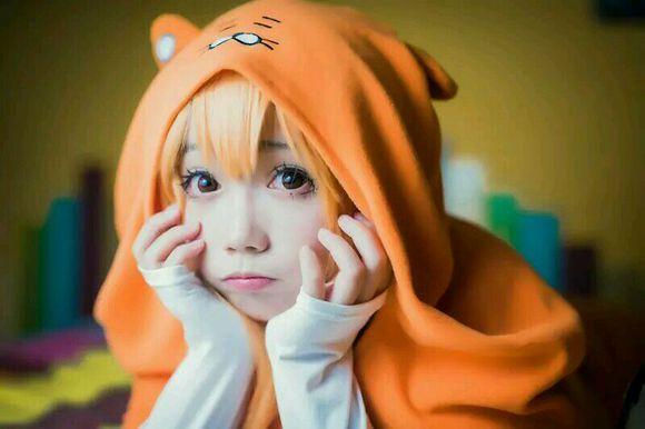一只可爱小老虎 可爱小妹妹cos图片
